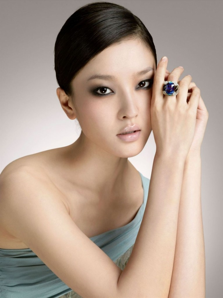 Top 10 Most Beautiful Chinese Actresses in 2015