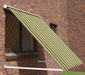 Tende da sole per balconi, modello a caduta, che si possono fissare sulla ringhiera o a pavimento. Tende Da Sole A Caduta Caduta Verticale Oppure Con Guide Laterali