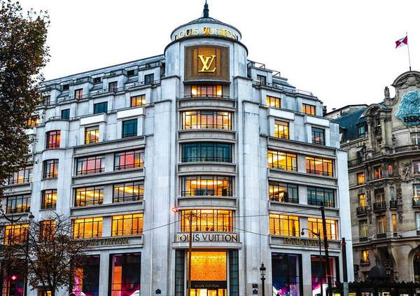 Le vaisseau amiral de Louis Vuitton à Paris