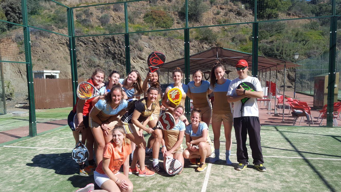 Grupo de Hockey Femenino en Club de Tenis Estepona
