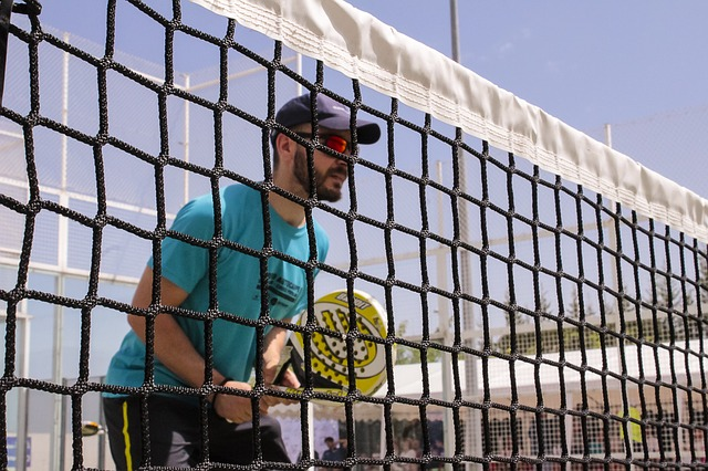 Reserva una pista de paddle o tenis en Estepona