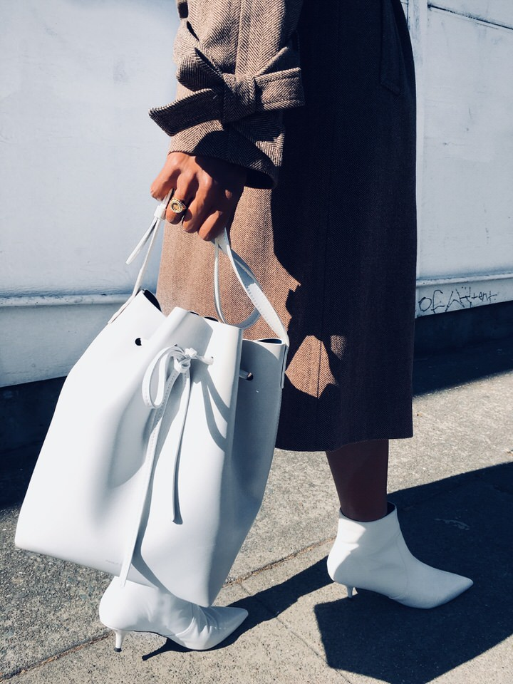 Mansur Gavriel large bucket bag in white