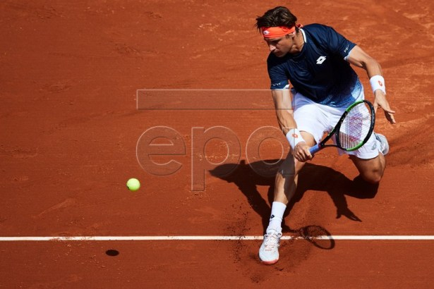 David Ferrer of Spain in action during his second round men's single match against Mischa Zverev of Germany at the 67th Barcelona Open Trofeo Conde de Godo tennis tournament in Barcelona, Spain, 23 April 2019.  EPA-EFE/ALEJANDRO GARCIA