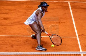 USA's Sloane Stephens in action during her third round mactch against China's Zheng Saisai at the Mutua Madrid Open tennis tournament, in Madrid, Spain, 08 May 2019. EPA-EFE/JUANJO MARTIN