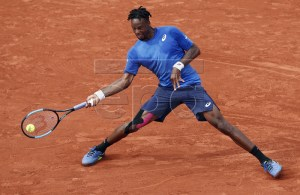 Gael Monfils of France plays Adrian Mannarino of France during their men?s second round match during the French Open tennis tournament at Roland Garros in Paris, France, 30 May 2019. EPA-EFE/YOAN VALAT