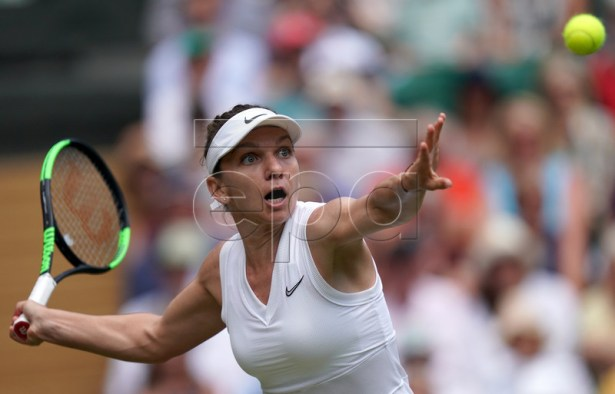 Simona Halep of Romania in action against Elina Svitolina of Ukraine during their semi final match for the Wimbledon Championships at the All England Lawn Tennis Club, in London, Britain, 11 July 2019. EPA-EFE/WILL OLIVER EDITORIAL USE ONLY/NO COMMERCIAL SALES