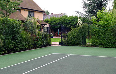 Two-tone matchplay tennis court surface built by en Tout Cas