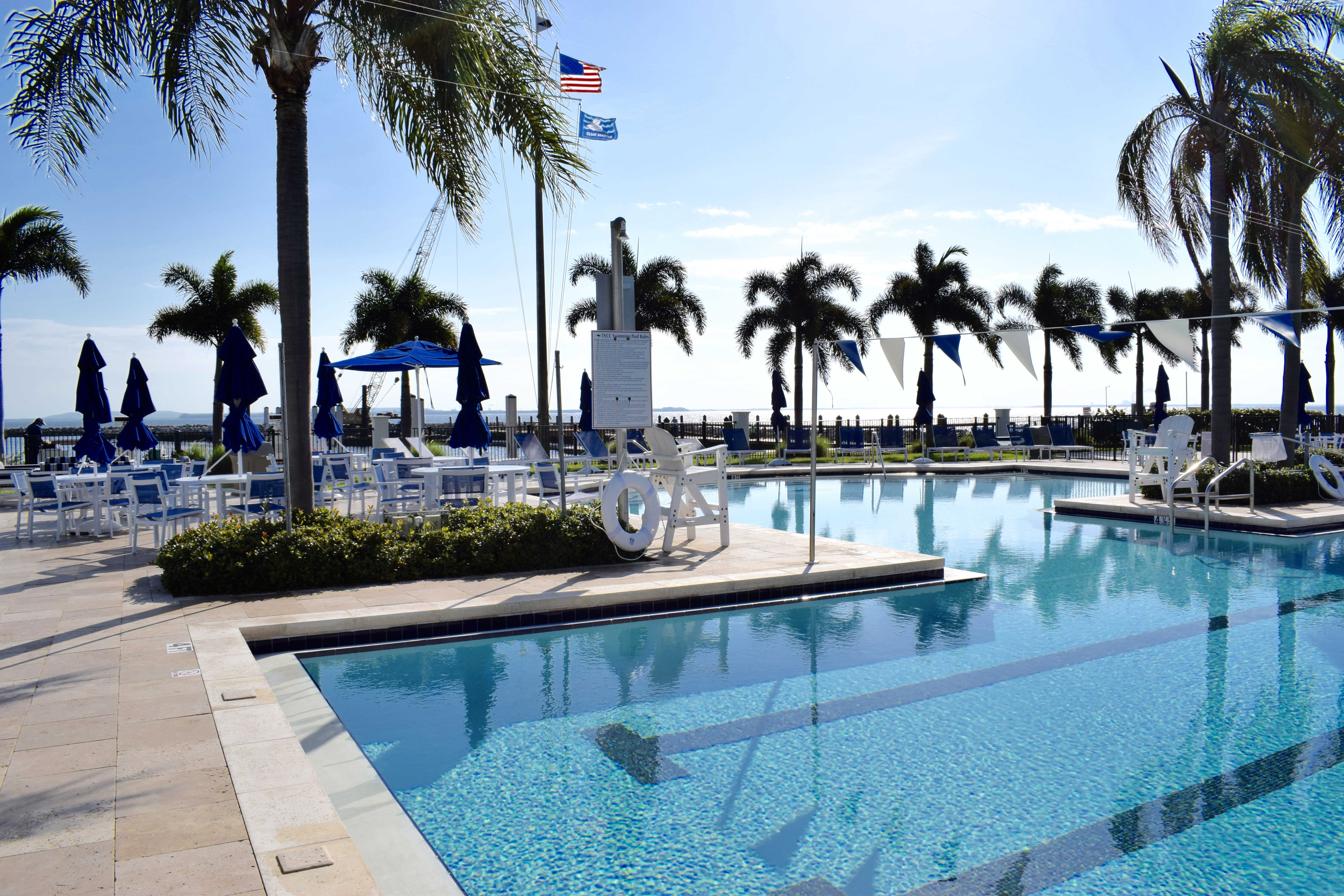Tampa Yacht and Country Club pool