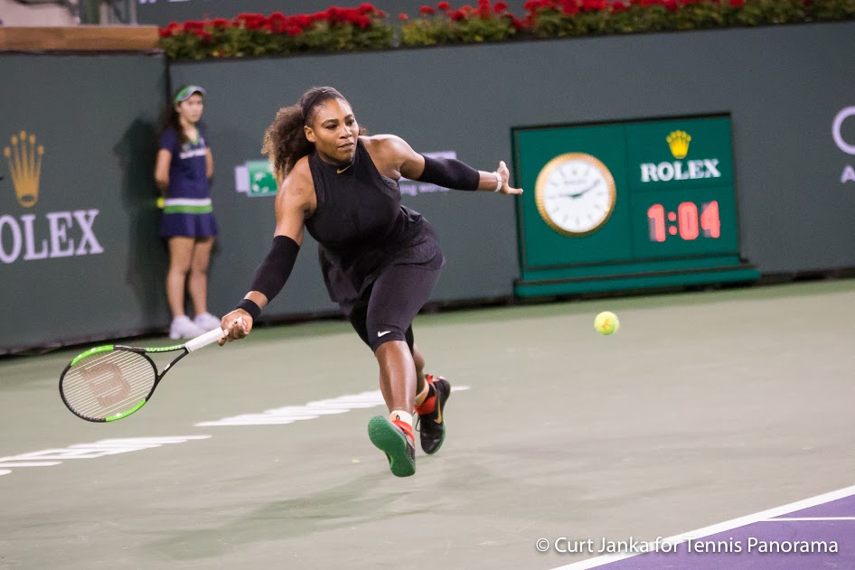 Serena Williams stretch fh bnppo382018