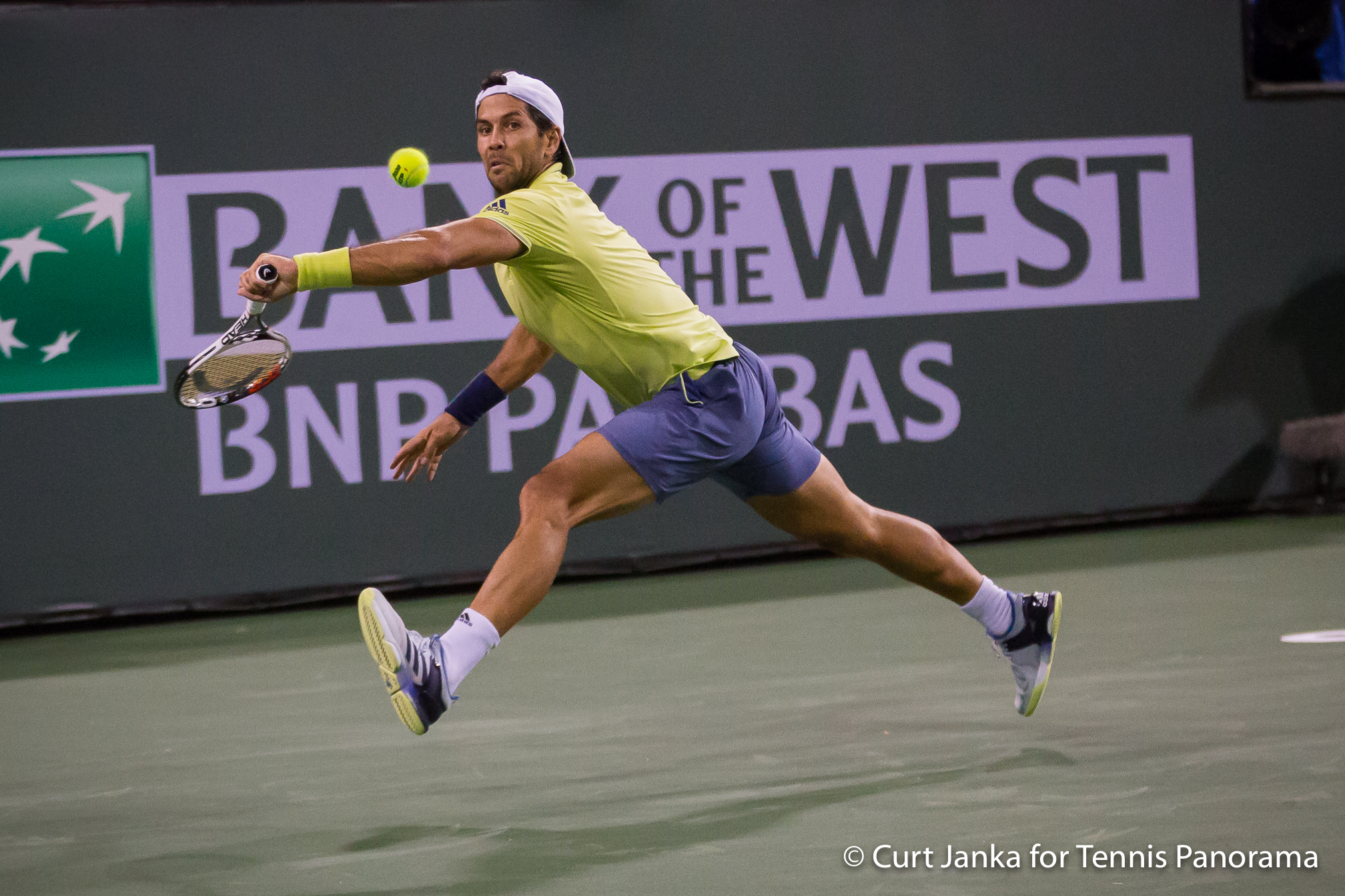 Federer dispatches Krajinovic to advance at Indian Wells