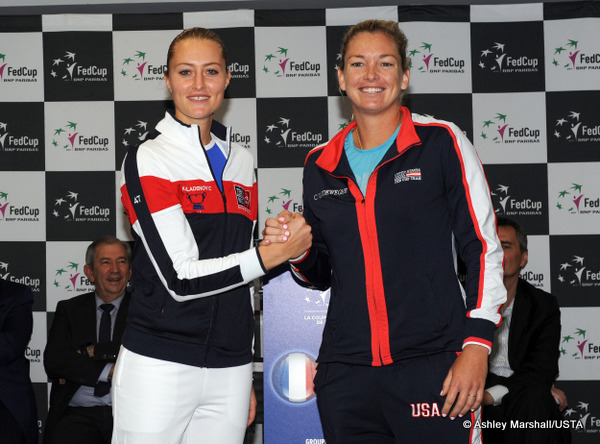 Fed Cup: France and U.S.  1-1 in semifinals