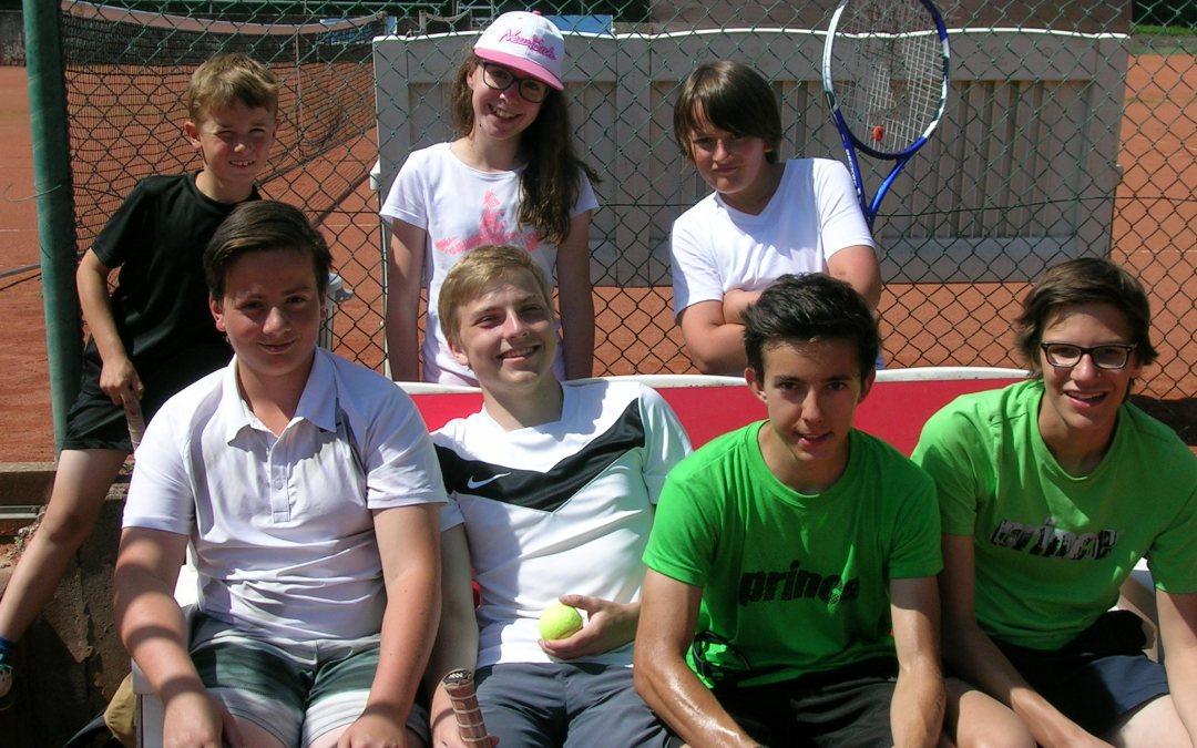 Vom Tennis-Sommercamp direkt aufs Treppchen – Teilnehmer fit gemacht für erste Plätze