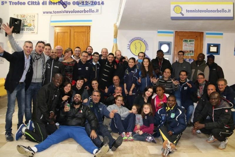 Foto ricordo in sede tra tutti i partecipanti (Foto Gianluca Piu)