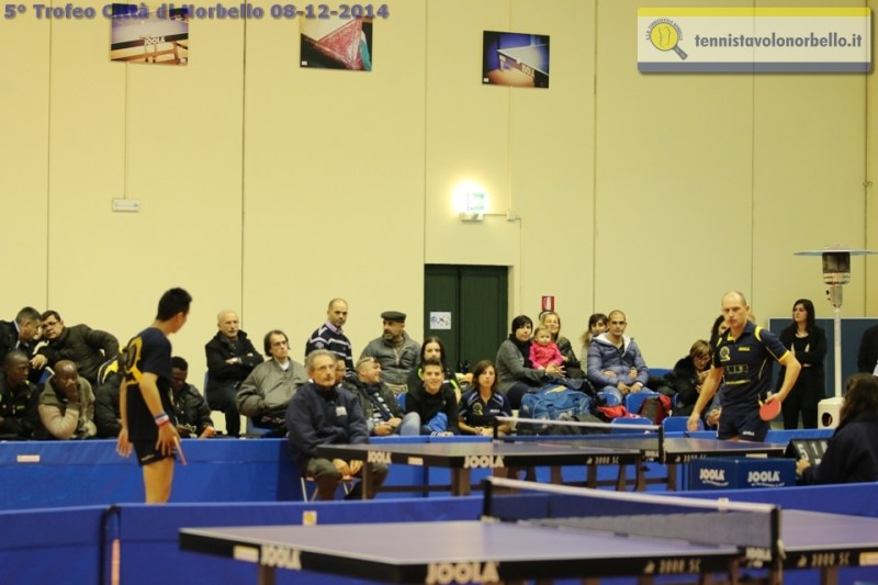 Il pubblico di via Azuni (Foto Gianluca Piu)