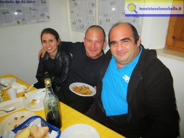 Al centro Bandinu e a dx Sanna Tennistavolo Norbello