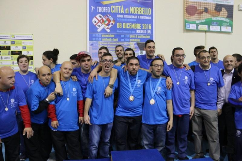 foto-di-gruppo-tra-i-partecipanti-del-trofeo-special-foto-gianluca-piu