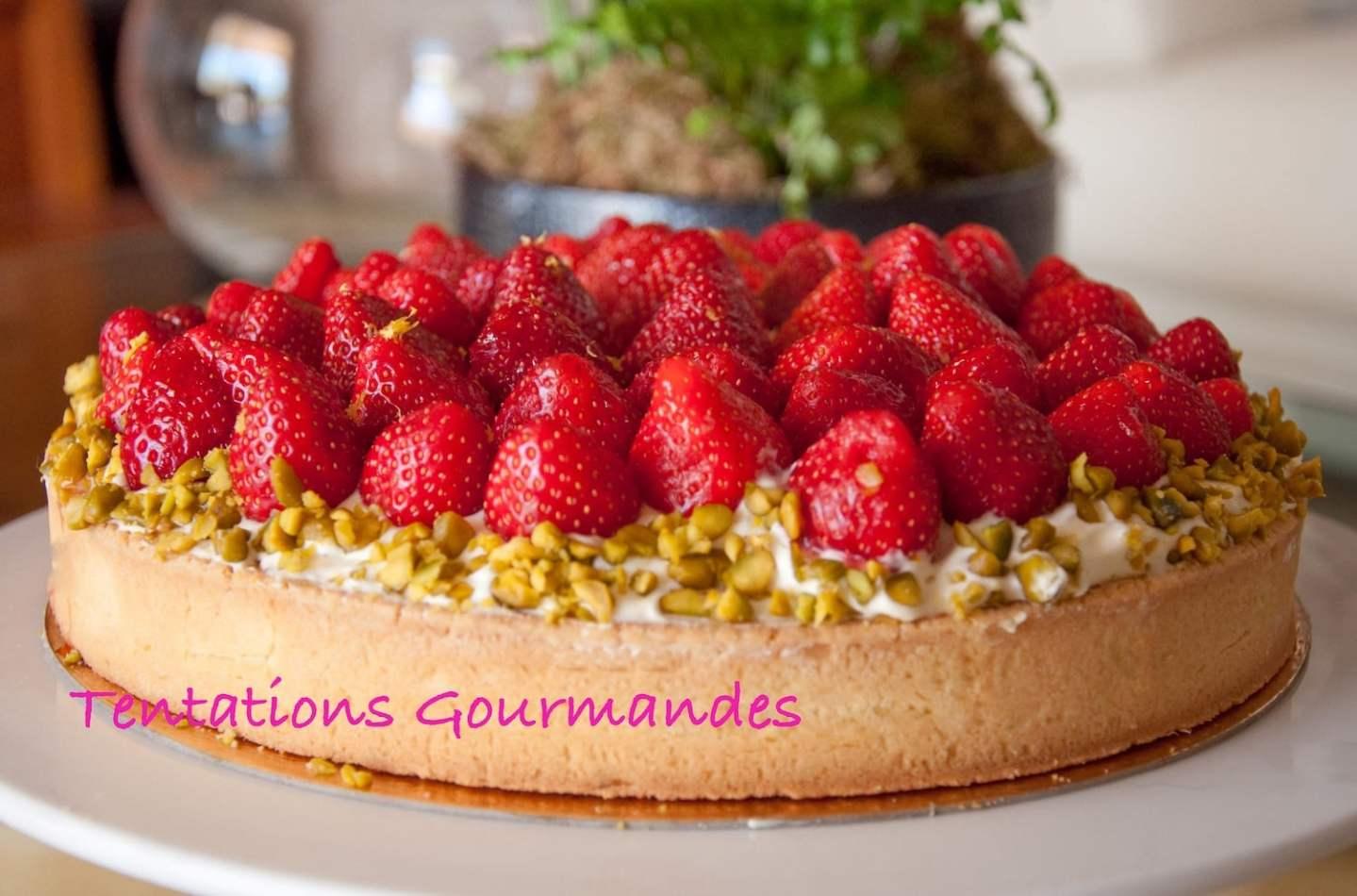 Tarte aux fraises, biscuit pistache, crème vanille et mascarpone