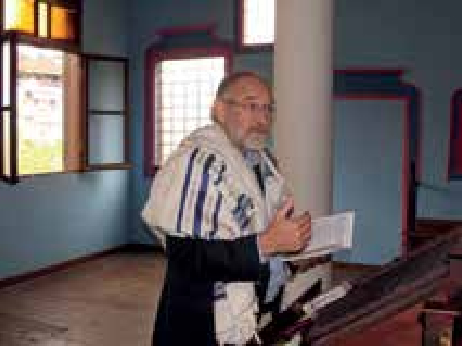 Eitan sharing in the synagogue at Berea