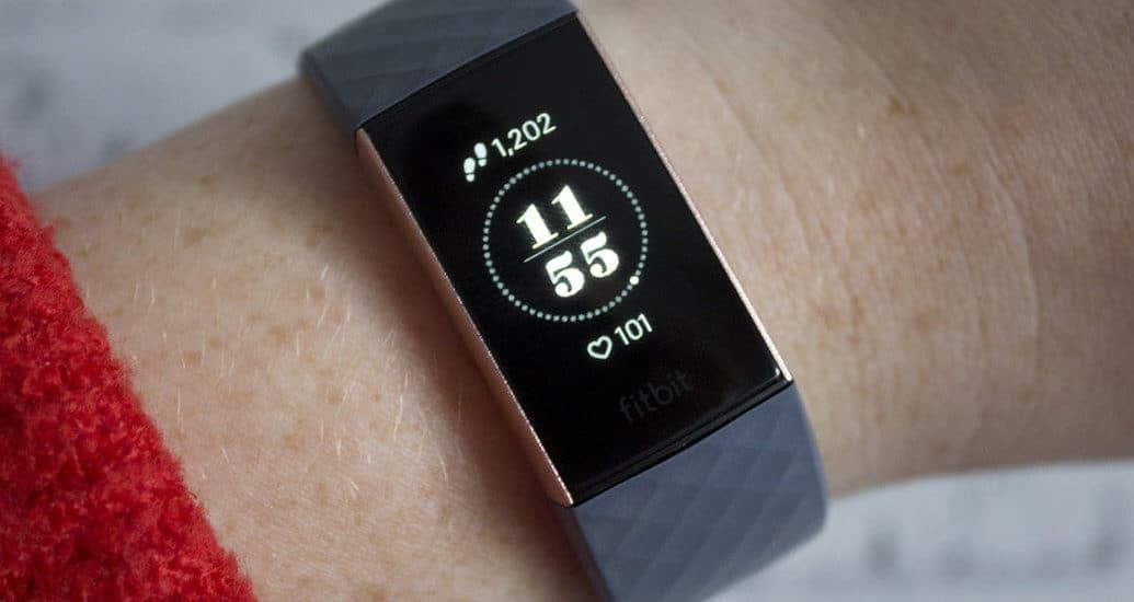 ساعة Fitbit Charge 4