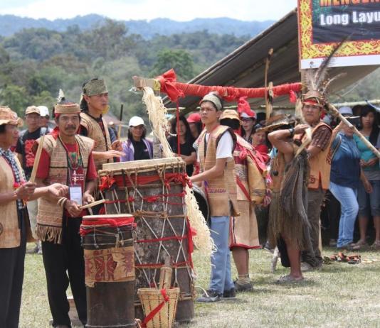 masyarakat-adat-di-indonesia-menerima-penghargaan-dari-undp