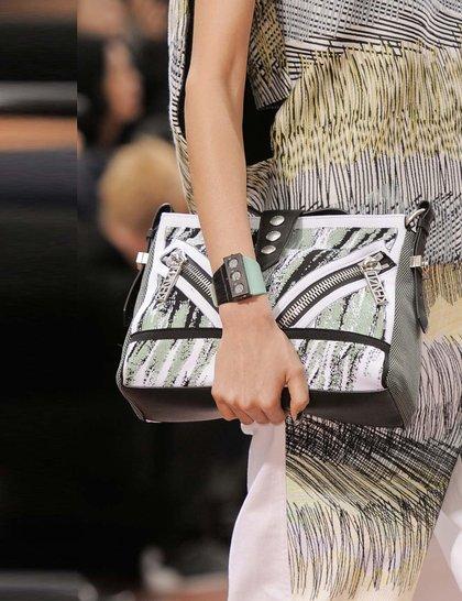 kenzo-black-green-print-bag çanta trend