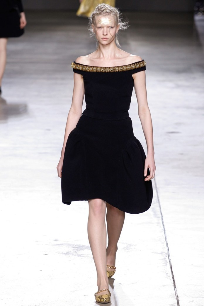 simone-rocha-london fashion week kış 2015 trend5156219129
