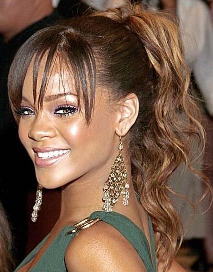 Rihanna-at-kuyrugu
