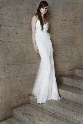 embedded_Vera_Wang_spring_2015_wedding_dresses__(7)