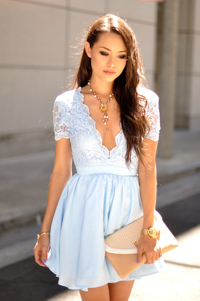 How-To-Wear-A-Lace-Dress-2-640x964
