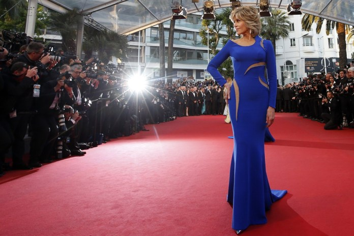 "Actress Jane Fonda poses on the red carpet as she arrives for the screening of the film ""The Sea of Trees"" in competition at the 68th Cannes Film Festival in Cannes, southern France, May 16, 2015.       REUTERS/Eric Gaillard   TPX IMAGES OF THE DAY - RTX1D95J"