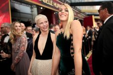 Pictured-Busy-Philipps-Michelle-Williams