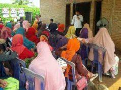 Calon Bupati Lampung Utara yang juga bupati non aktif, Agung Ilmu Mangkunegara memaparkan visi dan misinya saat berkampanye di Dusun Sidomulyo, Jumat (6/4/2018).