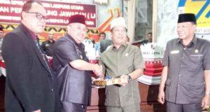 Pelaksana Tugas Bupati Lampung Utara, Sri Widodo menyampaikan LKPj penyelenggaraan Pemda tahun anggaran 2017