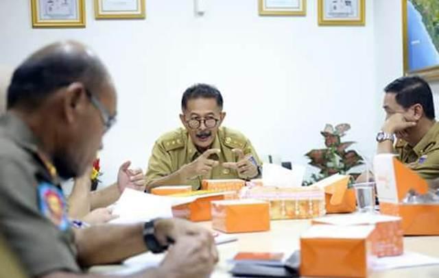 Asisten Bidang Pemerintah dan Kesra Pemprov Lampung, Heri Suliyanto, memimpin rapat persiapan pelantikan Bupati-Wakil Bupati Tanggamus periode 2018-2023