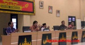 Koordinator II Sumatera Bidang Pencegahan KPK RI, Adliansyah Malik Nasution didampingi Walikota Herman HN, Sekda Badri Tamam, Inspektur M. Umar dan Kaban PPRD Yanuardi.