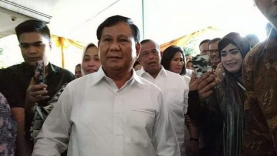 Ketua Umum Partai Gerindra Prabowo Subianto menghadiri ulang tahun mantan Panglima TNI, Djoko Santoso, di rumah Djoko, Jalan Bambu Apus Raya, Cipayung, Jakarta Timur, 8 September 2018. Tempo / Friski Riana