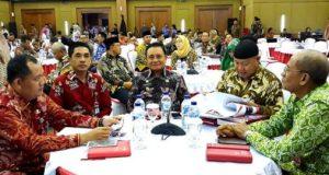 Wabup Lambar bersama ketua DPRD Lambar mewakili Lampung Barat dalam pembekalan Kepemimpinan pemerintahan Depdagri, Senin (12/11/2018).