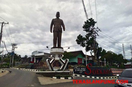 Tugu Soekarno di Sumber Jaya, Lampung Barat