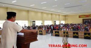 Walikota Herman HN menyampaikan kata sambutan saat pelepasan 500 jamaah umrah, Rabu, 20 Februari 2019.