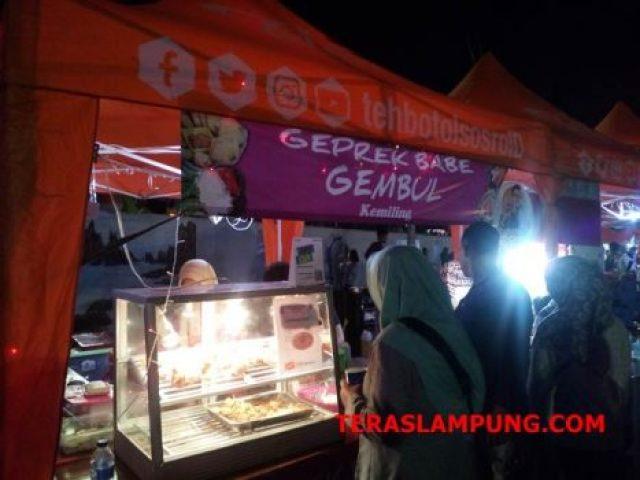 Salah satu stand dengan menu ayam geprek di momen Lalang Waya Market pada November 2018 lalu.