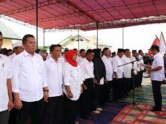 Bupati Parosil Mabsus mengukuhkan pengurus KTNA Lampung Barat, Raby, 6 Maret 2019..