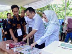 Gubernur Ridho Ficardo Mencoblos di TPS 010 Kelurahan Sumurbatu, Bandarlampung.