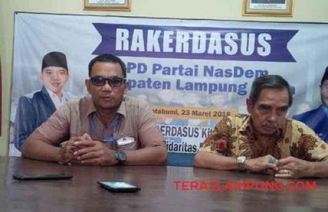 Wakil Ketua Advokasi dan HAM Partai Nasdem Lampung Utara, Suryanto dan Dewan Pembina Partai Nasdemn M. Yamin Tohir