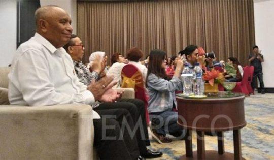 Anggota tim Bravo 5 Letjen TNI (Purn) Suaidi Marasabessy dalam Silahturahmi Kebangsaan Relawan Jokowi-Ma'ruf Amin di Hotel Marc Passer Baroe, Jakarta Pusat, Sabtu, 21 Juni 2019. TEMPO/Irsyan Hasyim