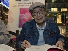 Sapardi Djoko Damono saat acara Meet and Greet film Hujan Bulan Juni di Jakarta 1 November 2017. Tempo/ Fakhri Hermansyah