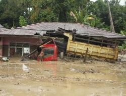 Banjir Bandang di Luwu Utara, 13 Orang Meninggal