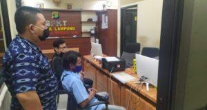 LBH Bandarlampung mendampingi keluarga N melaporkan kasus perkosaan yang dialami gadis di bawah umur itu ke Polda Lampung, Sabtu (4/7/2020).