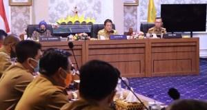 Gubernur Arinal Djunaidi, saat memimpin Rapat Pengembangan Dekranasda dan UMKM Lokal, di Ruang Rapat Utama Kantor Pemprov Lampung, Selasa (8/9/2020).