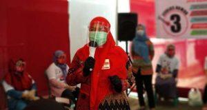 Eva Dwiana di kampanye tatap muka di jalan Danau Towuti, Kelurahan Surabaya, Kecamatan Kedaton, Rabu (7/10/2020).