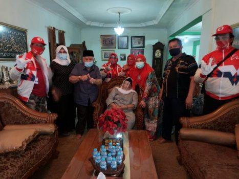Eva Dwiana bersilaturahmi di kediaman tokoh Minang di Bandarlampung, Pituo Alizar Datuk Bagindo, Selasa (6/10/2020).